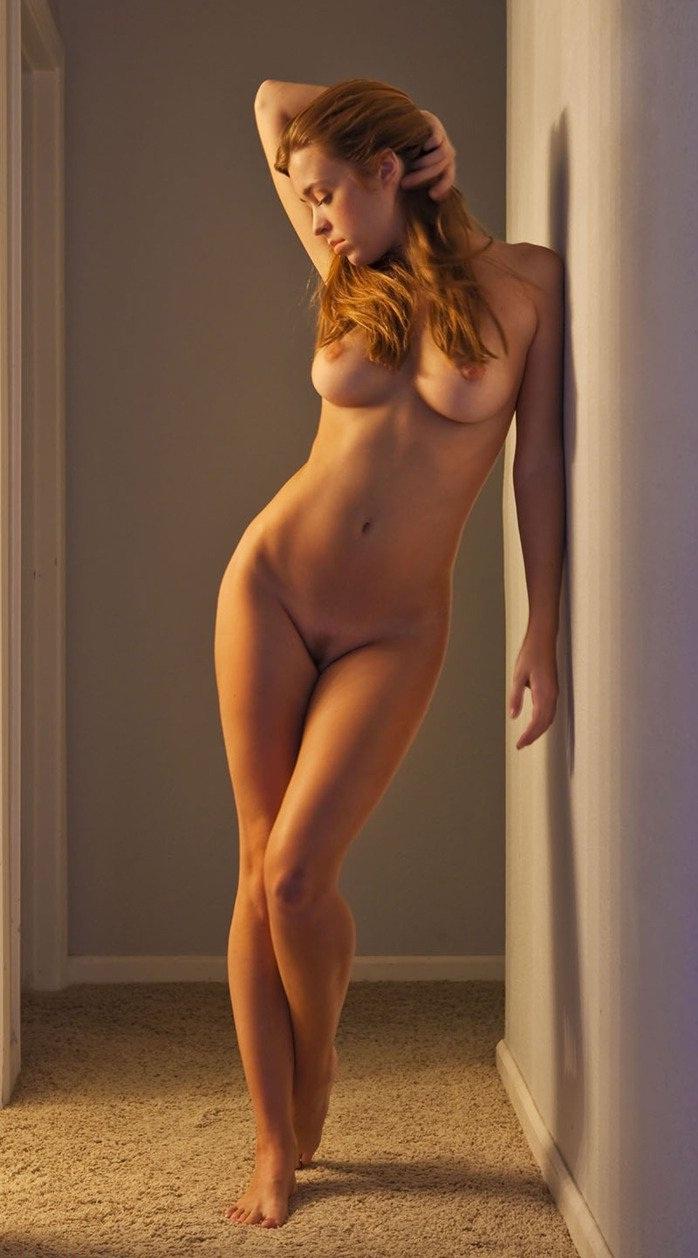 video-erotika-golie-pevitsi